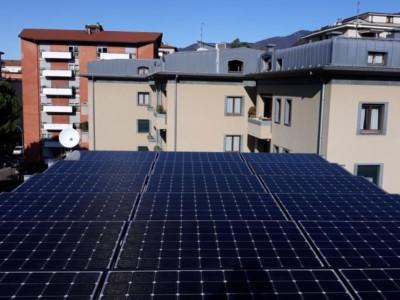 como_fotovoltaico_pergola_LG_huawei_accumulo_inverter